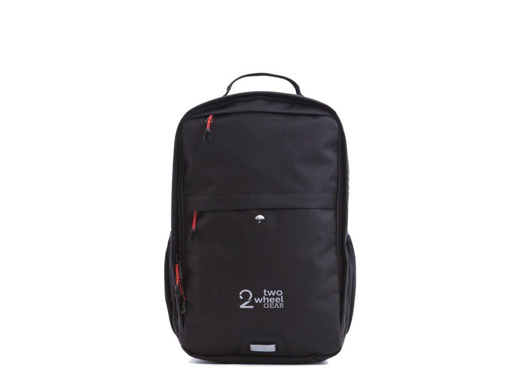 Backpack_Black_Front_e3837ad2-3a75-4dc3-85e5-3dc792e95716
