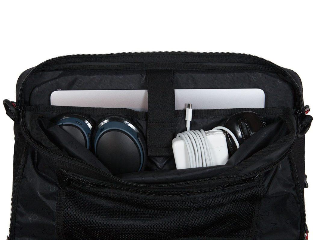 Briefcase_Black_LaptopPocket