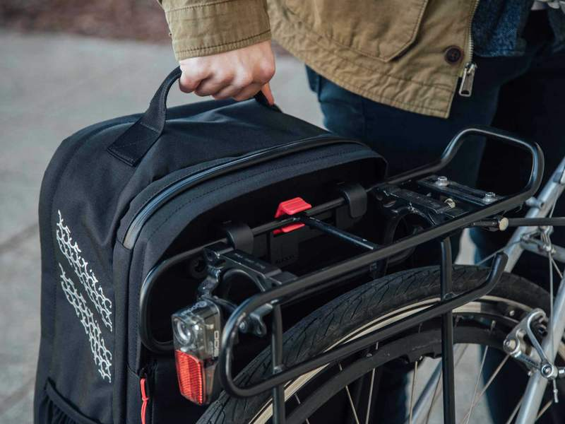 Two_Wheel_Gear_-Pannier_Backpack_PLUS_Bike_Commuter_-_Mounting