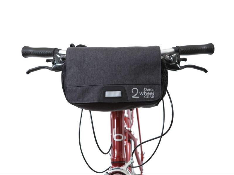 Two_Wheel_Gear_-_Mini_Messenger_Handlebar_Bag_-_Graphite_-_Mounted_-_Front_800x