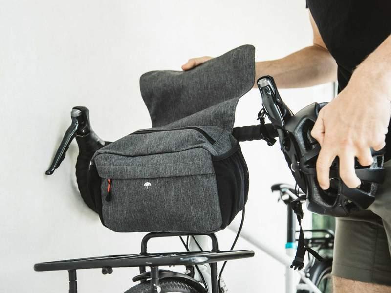 Two_Wheel_Gear_-_Mini_Messenger_Handlebar_Bag_-_On_Bike_-_Flap_800x