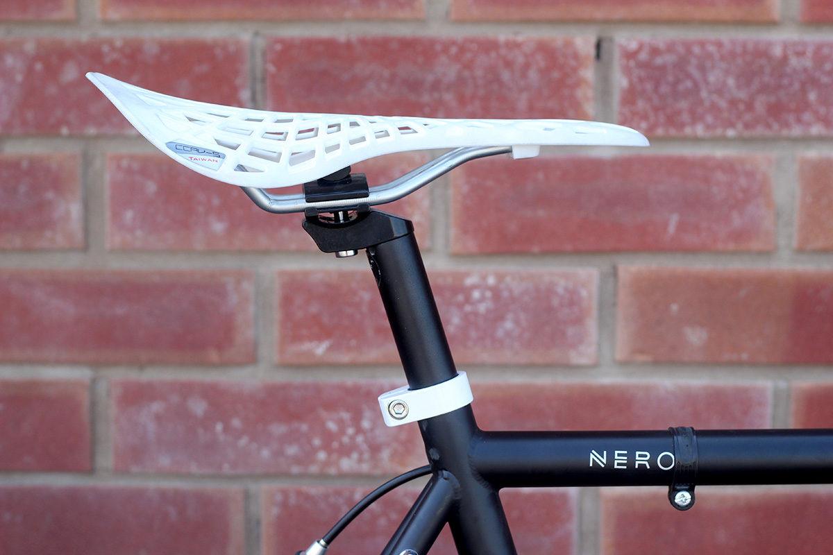 SE-038 Nero White 4