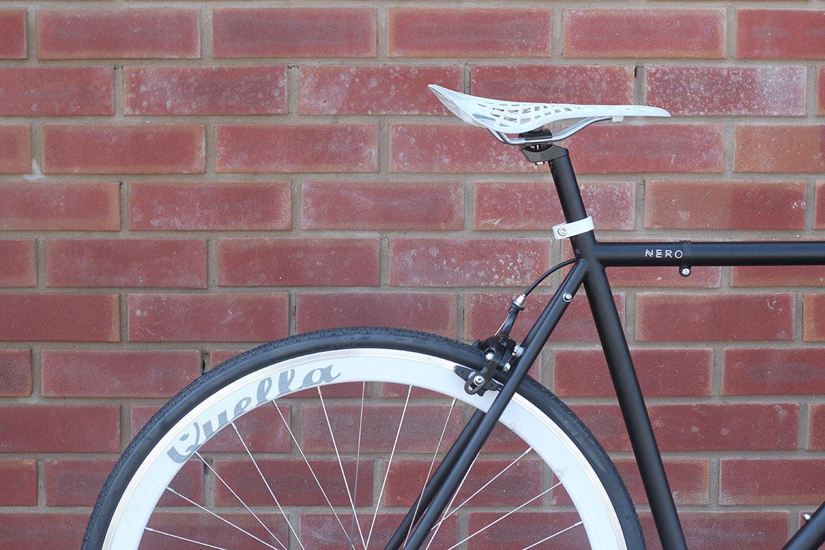 SE-038 Nero White 5