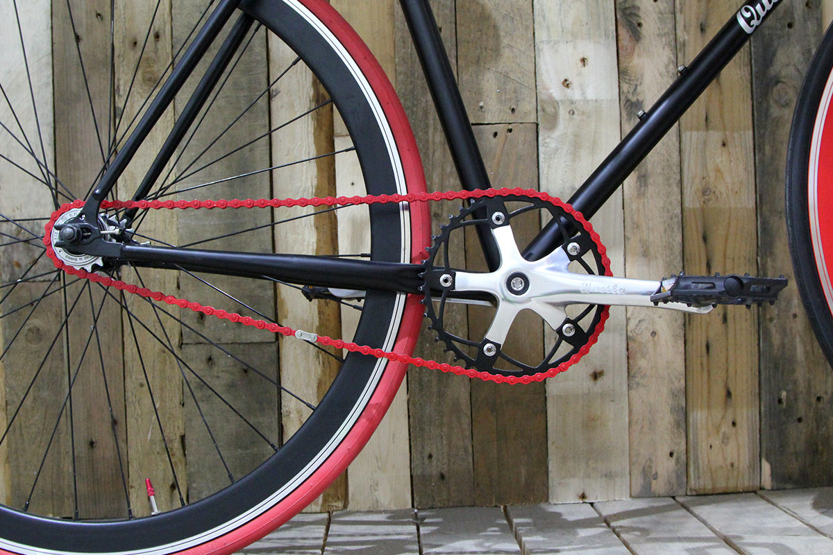 Nero red and black crankset